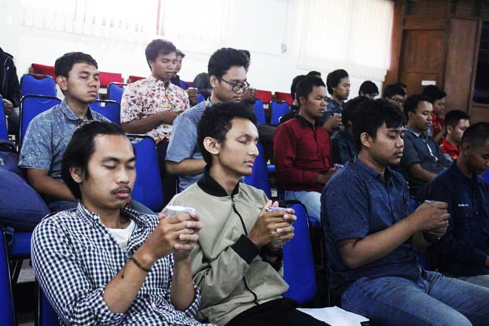 Increase Your Financial IQ - Fakultas Teknik Uns