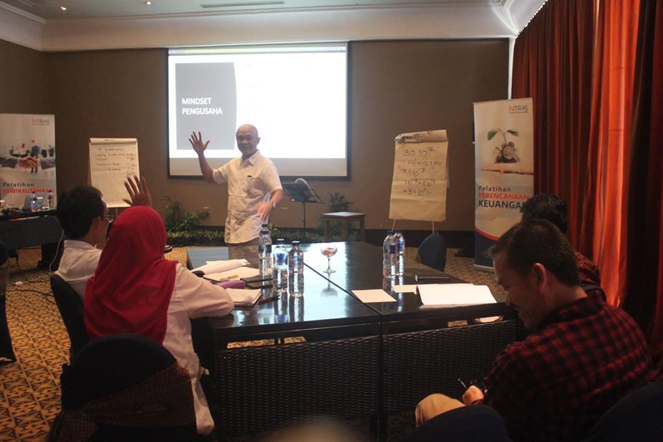 Pelatihan Pensiunan di Indonesia Ciptakan Wirausaha Potensial