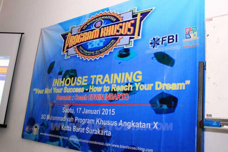 In House Training SD Muhammadiyah Kota Barat Program Khusus