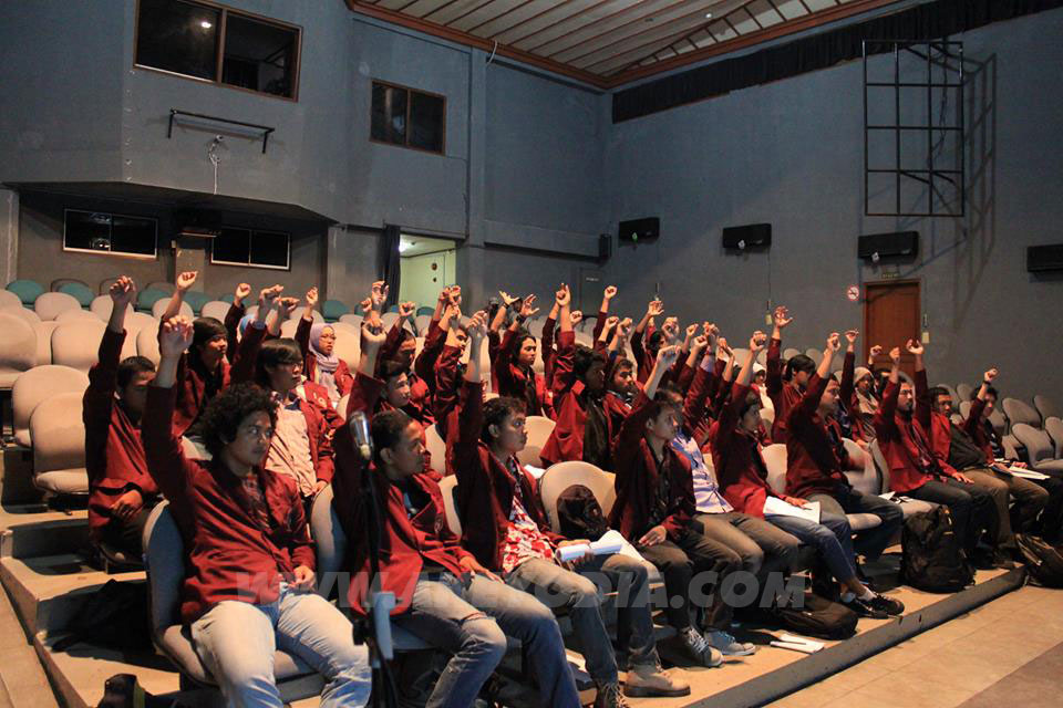 Institut Seni Indonesia isi
