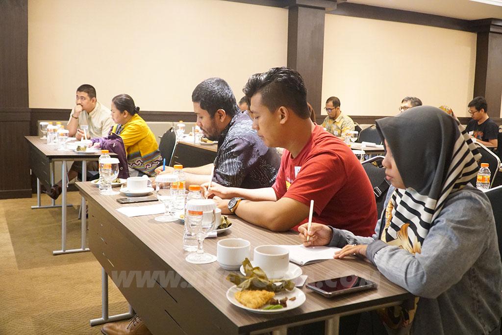 Seminar Kewirausahaan : Mengembangkan Keterampilan Diri