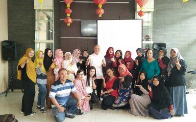 Seminar Kewirausahaan untuk Komunitas Bakery Solo yang Berdaya Saing
